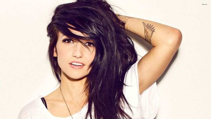 Canadian musician Lights Bokan (Valerie Anne Poxleitner) - Comment #48 added by kopernik at here's my OC