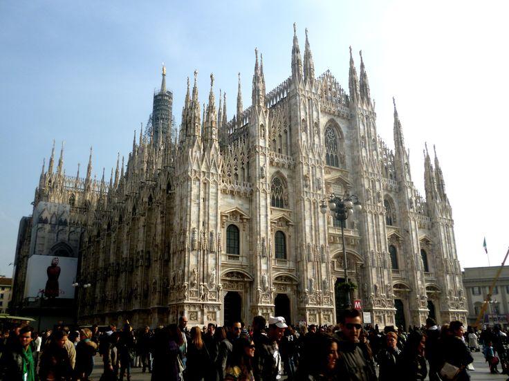 ... Famous Architectural Buildings