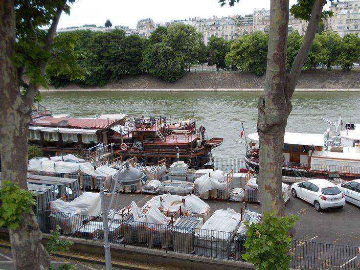 Le quai de Grenelle à Paris
