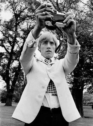 Roger Daltrey taking a selfie before it was cool