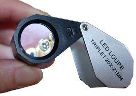 Tripletto 10x con luce led. Lente di elevata qualità per geologia e gemmologia.