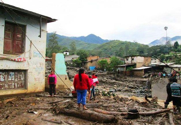 """Los desastres naturales terminan afectando a los más pobres, a los que a menudo  """" no tienen ningún activo que contabilizar"""" o sea que se quedan prácticamente en la nada."""