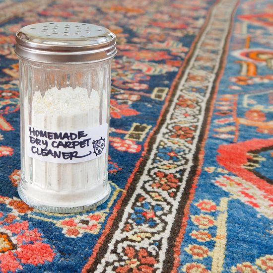 Homemade Dry Carpet Cleaner For Fresh and Clean Rugs 2 cups baking soda 1/2 cup corn starch 1/2 cup cornmeal 4 bay leaves 1 tablespoon whole cloves 1 tablespoon Borax (optional) Blender Sprinkle-top container