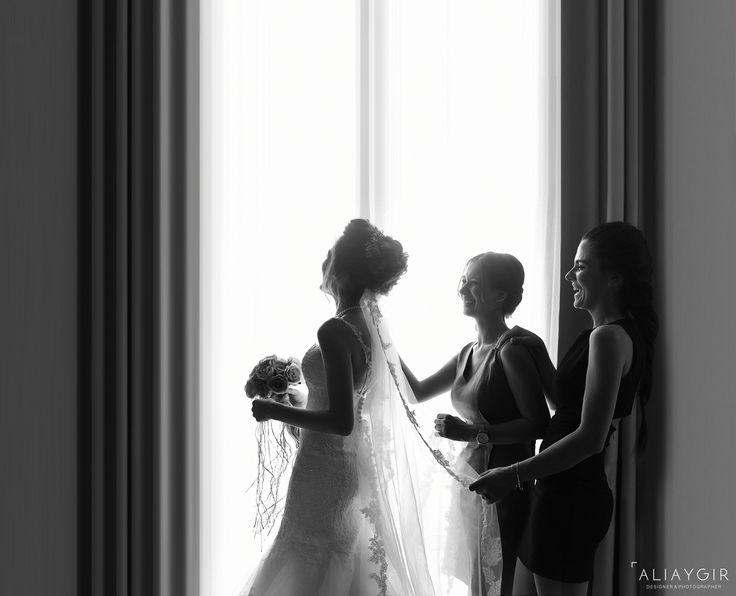 gelin hazırlığı, gelin arkadaşları, arkadaş, nedime, gelin ve nedimeler, bride, groom, düğün fotoğrafı, izmir düğün fotoğrafçısı, izmir,