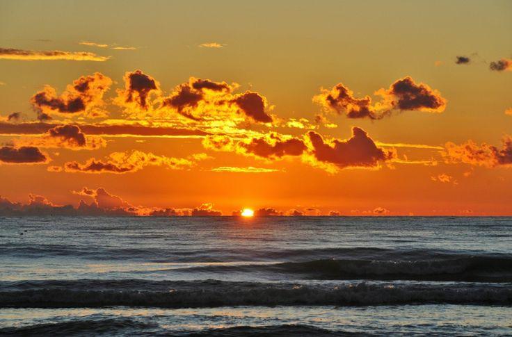 winter sunset #italy #lucca #fortedeimarmi #versilia #beach #spiaggia #rivera #mare #sea  #vacanze #travel #viaggio #sunset #winter