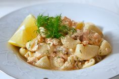 Lax i hummersås med pasta