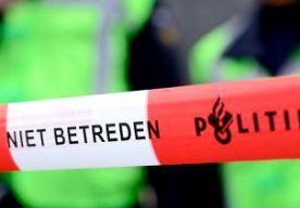 28-Apr-2014 8:29 - MEISJE VERKRACHT IN OOST-SOUBURG. In de Zeeuwse plaats Oost-Souburg is gisteravond rond 22.00 uur een meisje verkracht door twee mannen. Ze droegen bivakmutsen en verplaatsten zich op scooters. Volgens de regionale krant PZC was het meisje op de fiets op weg naar Middelburg toen ze door de mannen werd ingehaald. Daarna werd ze tegen de grond gewerkt en verkracht. De politie is op zoek naar getuigen. Er is nog geen signalement van de daders.