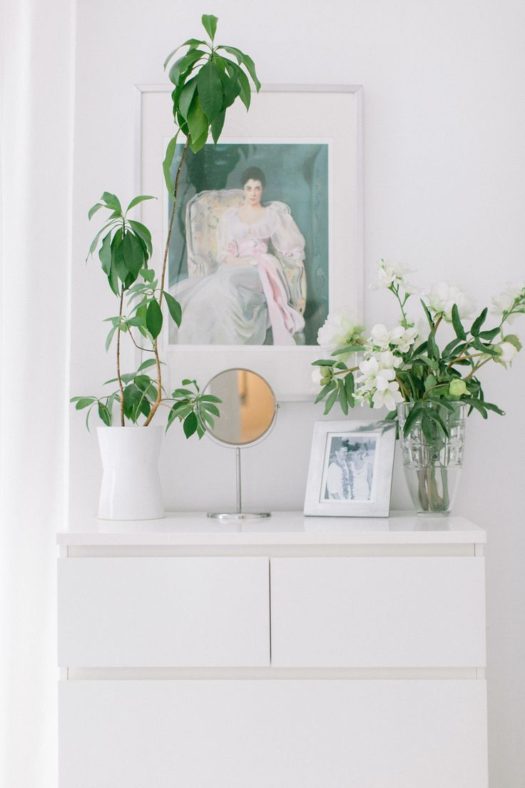 White bureau styling: Home Tours, Bureau Style, Portraits Style, Frostings Photography, Dressers Photography, Plants Photography, Tours Photo, Photo Galleries, Indoor Plants
