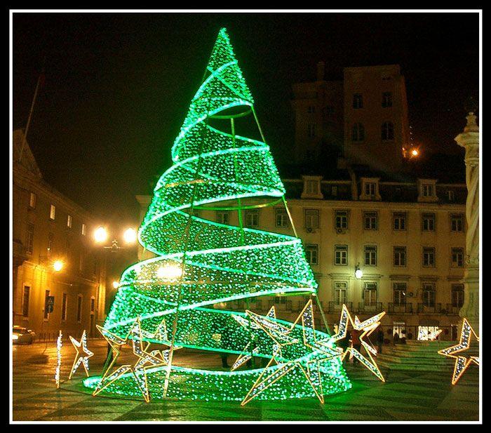 Green Christmas Lights on Tree