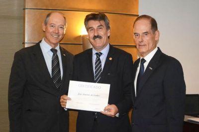 O Sincor-PR, por intermédio do presidente José Antonio de Castro, assumiu no último dia 7 a coordenação da Câmara Setorial de Seguros da Associação Comercial do Paraná (ACPR).  A posse de