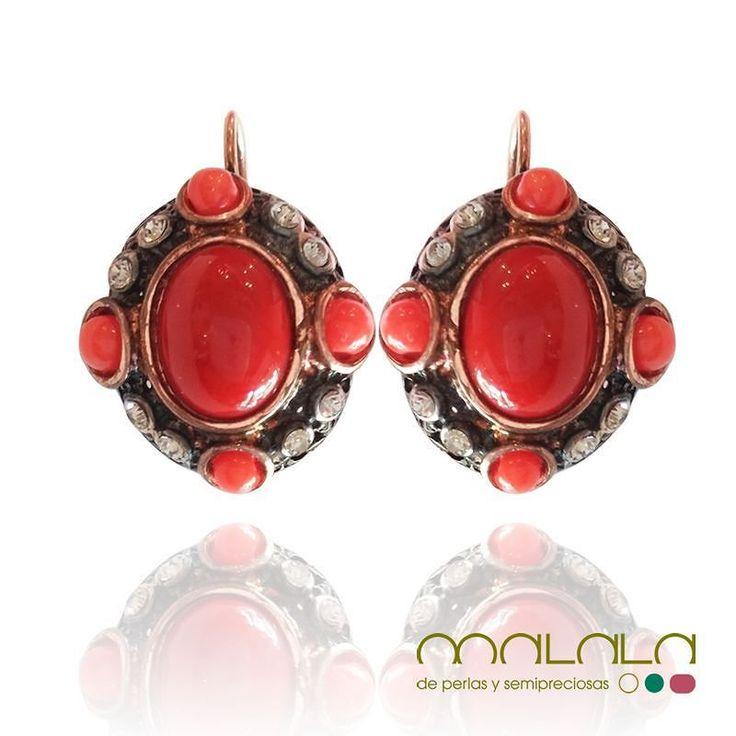 #pendientes de #coral de estilo antiguo  #earrings #aretes #accesories #diseñoExclusivo #elegancia #fashion #femenino #fino #gift #guapa #handmade #hautecouturejewelry #instafashion #jewel #joya #joyeria #joyeriadediseño #ladies #MadeinSpain #madrid #magia #MalalaDePerlas