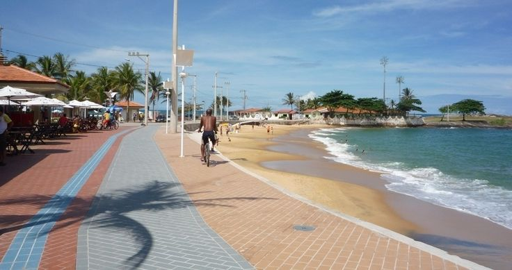Imagem 4/24: No verão, o calçadão da Areia Preta se torna um dos pontos mais movimentados de Guarapar Otavio Moulin/UOLGuarapari - Fotos - UOL Viagem