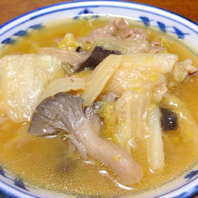 久しぶりのアップです。 冬はこればっかり食べてる気が。。 - 60件のもぐもぐ - 豚肉、白菜、きのこの蒸し煮 by BJgeisha