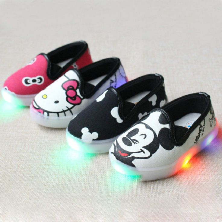 2016 New Hello Kitty Children Light Shoes For Girls Baby Canvas Sneakers Mickey LED Sneaker Kids Shoe For Boys Chaussure Enfant