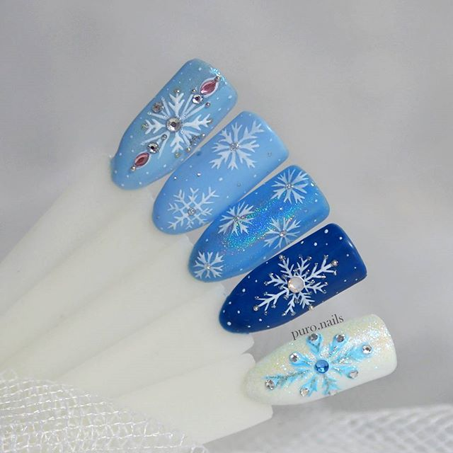 ❄❄❄ @makear.pl   #nailart #nailsoftheday #nails #nail #hybrydnails #hybrydymanicure #kochampaznokcie #instanail #nails2inspire #paznokciehybrydowe  #paznokcie  #nailartist_manicure #nails #nailswag #gelnails #winternails #nailru #nailstagram  #nailitdaily #nailpro #snowflake #instagramnails  #beautifulnails #trna #snowflakes #makear #sniezynki #zima #zimowepaznokcie