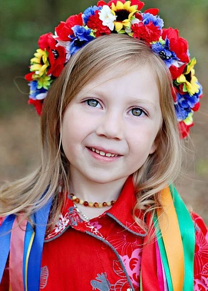 Ukrainian wreath or vinok [вінок] on probably the cutest young girl the tourism board could find