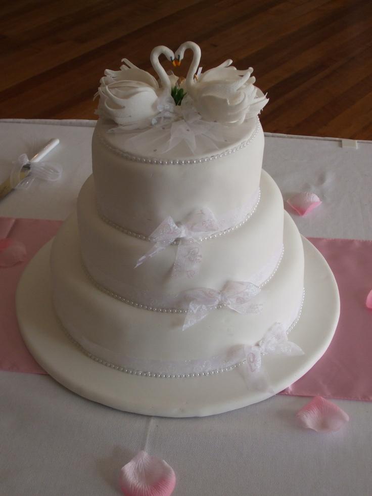 Swan Lake Wedding Cake Decorated Cakes Pinterest