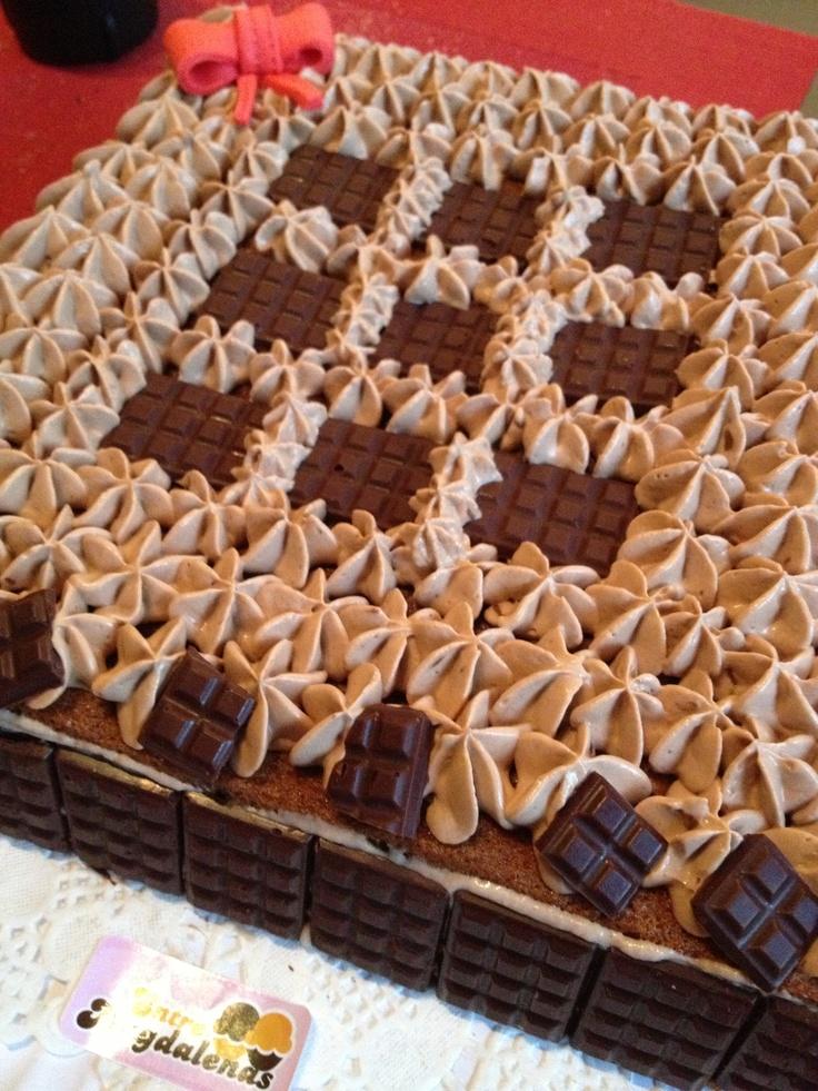 Tarta con mini tabletas de chocolate