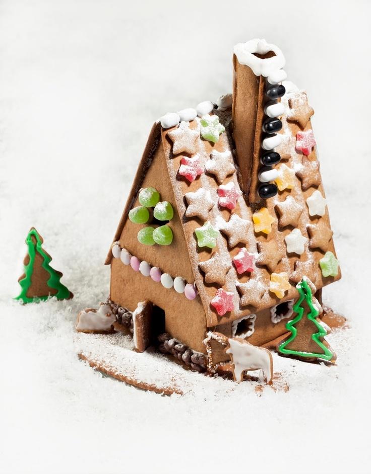 Tonttujen piparkakkutalo | Joulu | Pirkka #food #christmas