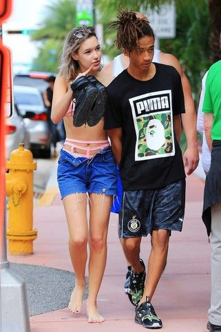 Jaden Smith - Taking a walk in South Beach with his girlfriend