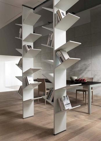 Libreria Fagus  Misure  larghezza  70 cm  profondità  30 cm  altezza  300 cm  Prezzo in Euro, versione in foto:  prezzo di listino compreso nell'intervallo (€):  € 1.500 / € 1.750
