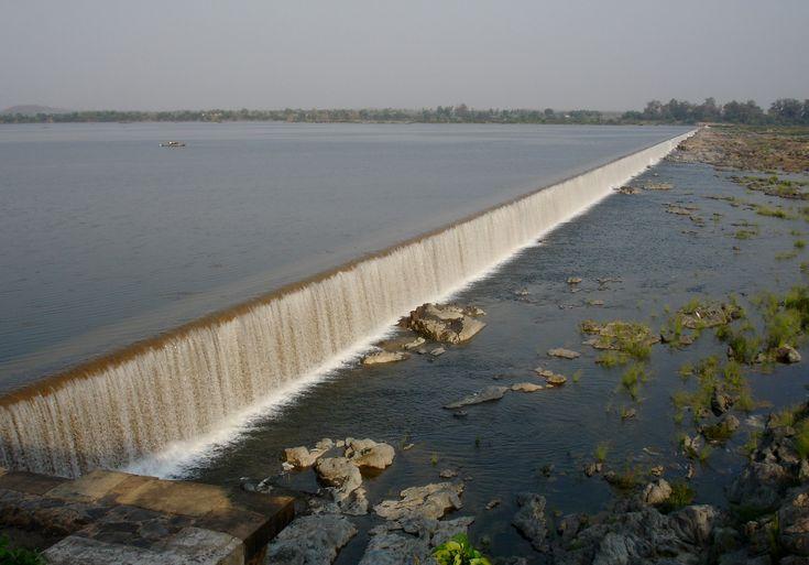 Dummugudem Barrage on Godavari River [2940  2052]