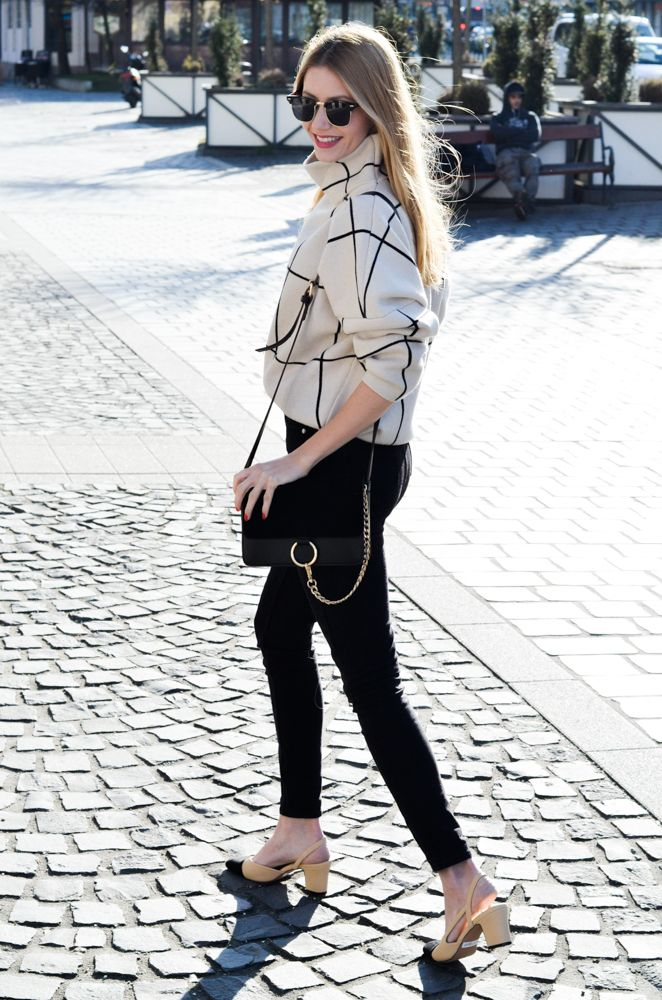 Effortless Chic www.fiftypairsofshoes.com #chic #grid #captoe #turtleneck