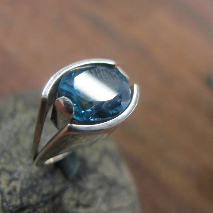Dominy | 80hr course | Jewelry Course Florence - Silver ring with blue topaz