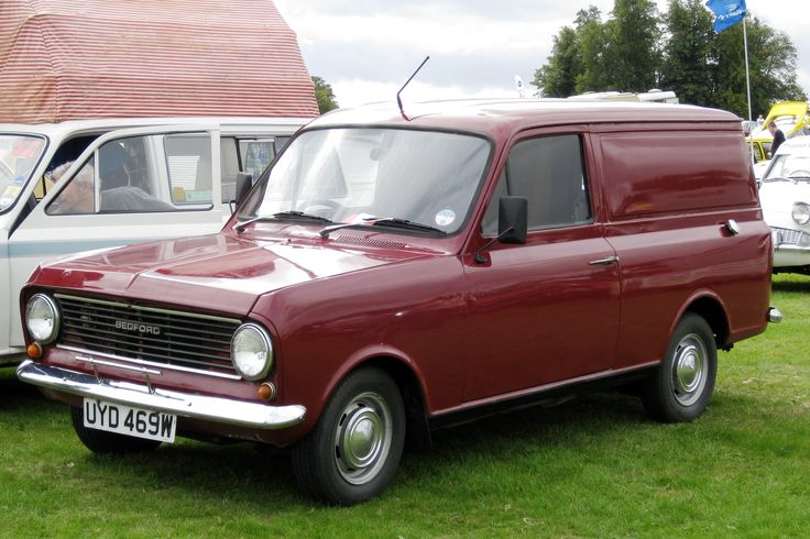 Bedford_HA_light_van_1256cc_first_registered_January_1981.JPG (3045×2030)