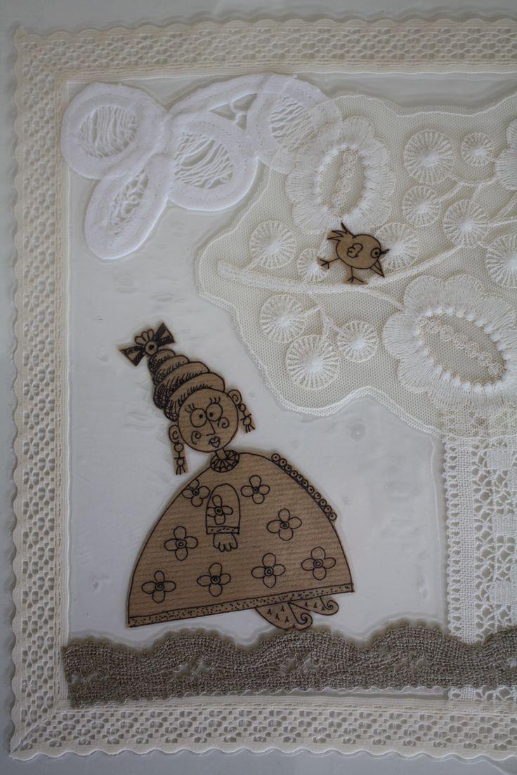 tovagliette realizzate con pizzi, carta velina, disegni