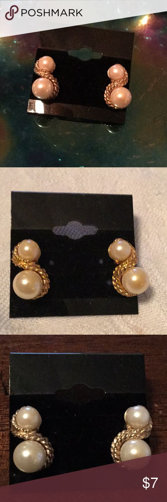 🌹Gorgeous NWOT Double Faux Pearl Earrings 🌹 🌹NWOT Gorgeous Double Faux Pearl Pierced Earrings 🌹Great Addition to Your Wardrobe or Makes Nice Gift 🎁  I Live in Smoke Free Home 🌹 I Love ❤️ to Do Deals & I Love ❤️ to Make Bundles 🌹 Thanks For Looking Jewelry Earrings