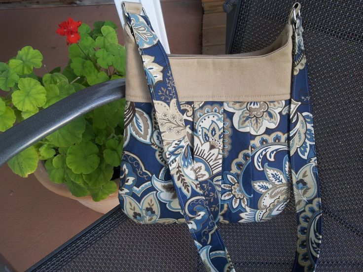 I have another free pattern for you for this  Modest Maven Pleated Purse  or HERE  (Modest Maven Sewing My Way). It's easy to make!...