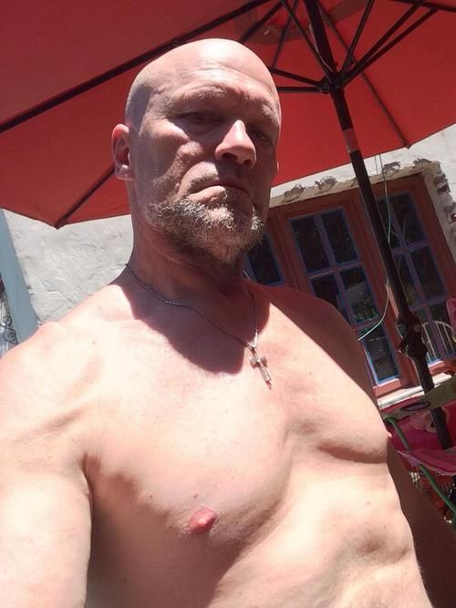 Michael Rooker   *ahem* I wanna lick whipped cream off of his nipples. *happy sigh*