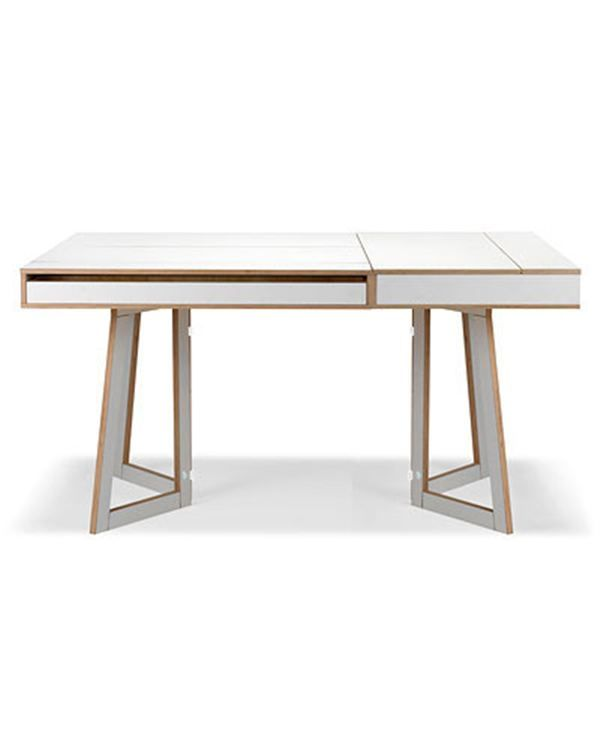 Bruker du noen ganger spisebordet som arbeidsbord?  Da er FLIP den ultimate løsningen: Det finnes skjulte rom i bordplaten, skuffer i sidene og dermed god plass til pynt, papirer og den bærbare PC-en.