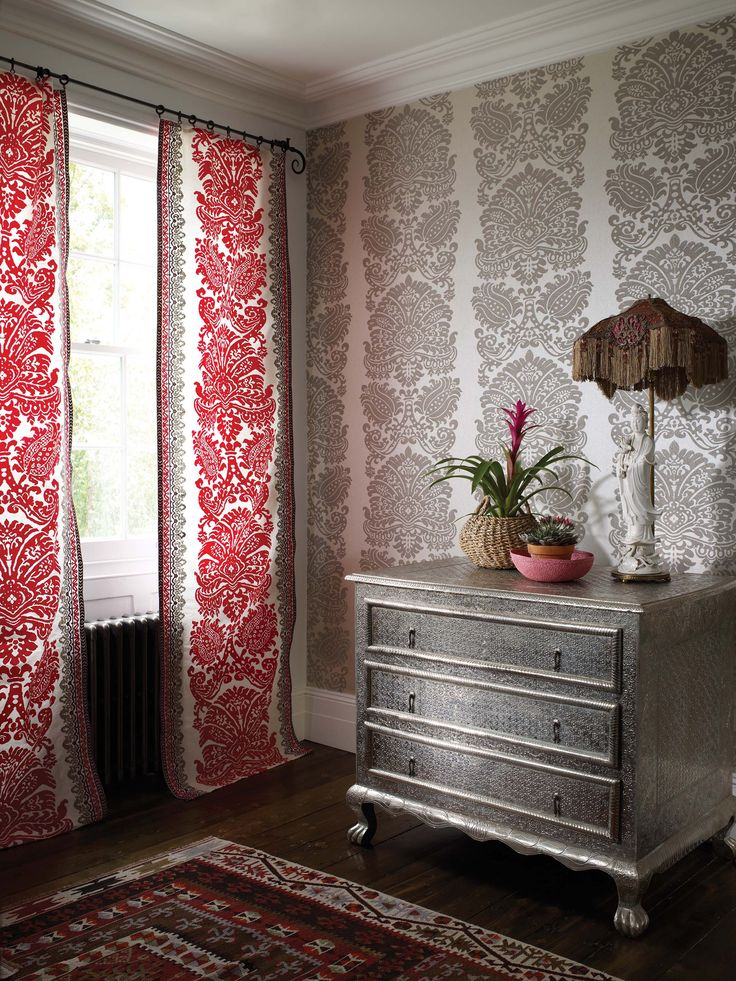 Red and gold - @matthewwilliamson fabric and wallcoverings for @osbornelittle - available now from Rodgers of York #style #interiors