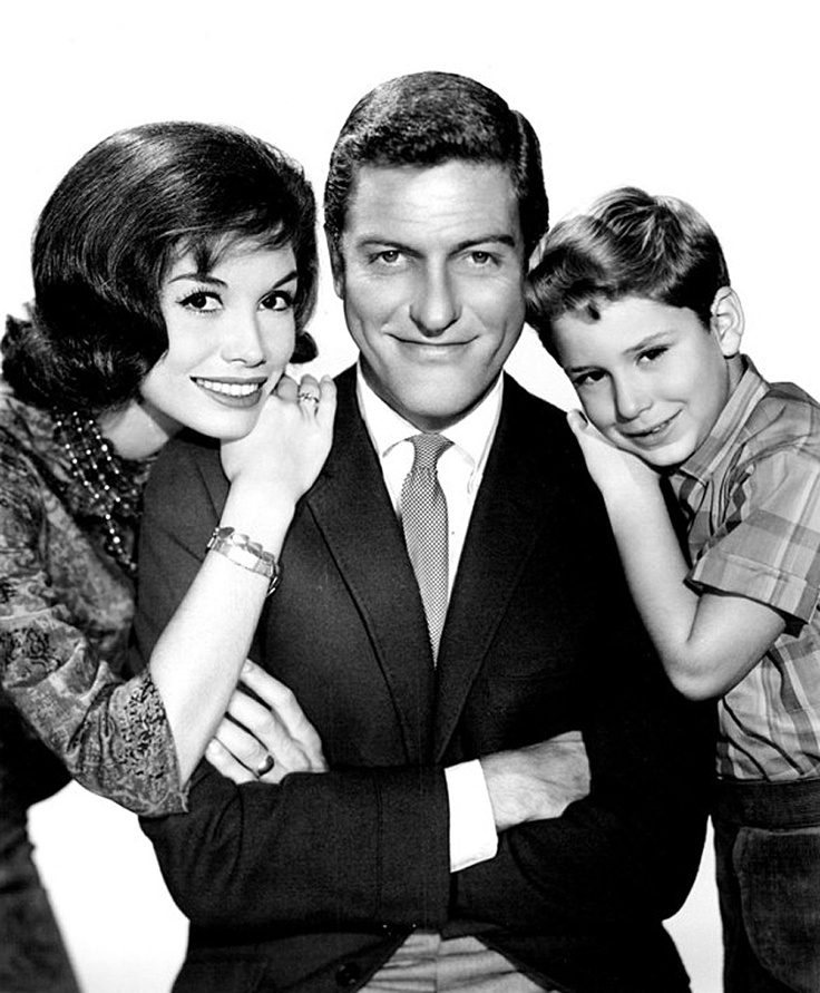 1963: Mary Tyler Moore, Dick Van Dyke & Larry Mathews as 'Laura, Rob & Ritchie Petrie' in The Dick Van Dyke Show (1961-66, CBS)