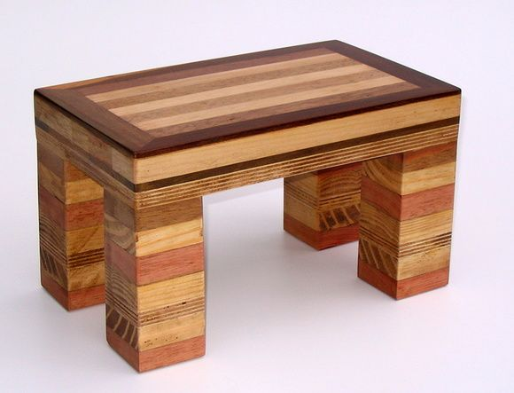 Banquinho madeira reciclada marchetaria                                                                                                                                                                                 Mais
