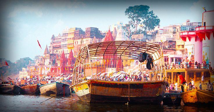 Siente las grandes emociones que transmite el país de las mil sonrisasa través de su gente y su magnífica arquitectura. Conoce en el Rajastánla ciudad dorada deJaisalmer, eldesierto del Thar, la fortaleza deJodhpur yla ciudad rosada deJaipur. Descubre la vibranteDelhi,el sobrecogedor Taj Mahal y la sagradaBenarésa orillas delGanges, un lugar impactante que jamás olvidarás.