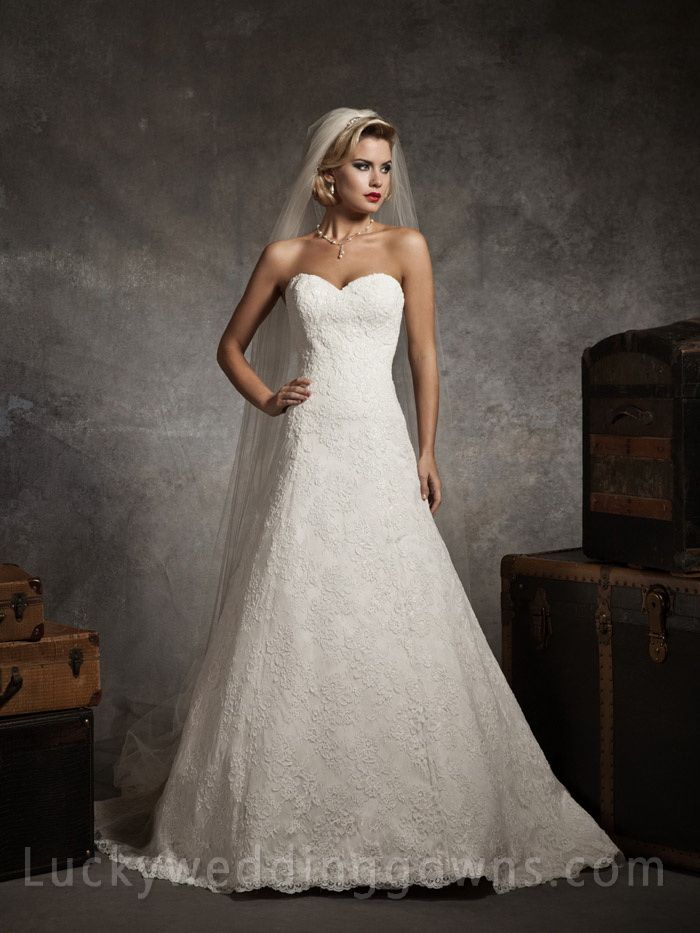 Strapless Sweetheart Lace A-line Wedding Dress with Chapel Train