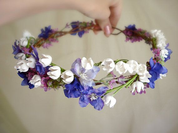 RESERVED for monkeys: diana a floral wreath por thehoneycomb