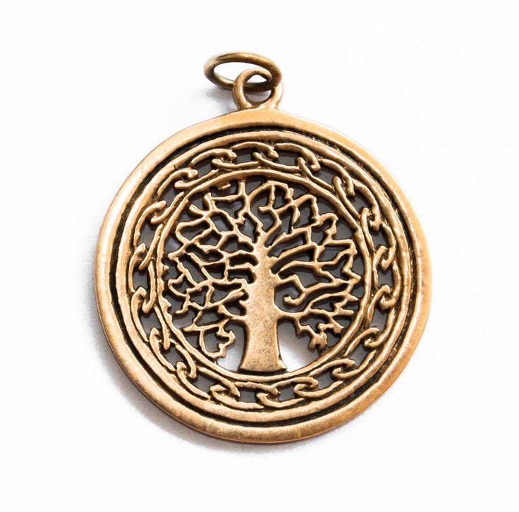 Drzewo życia łączone jest z żeńską symboliką płodności, jak również z możliwością osiągniecia oświecenia.