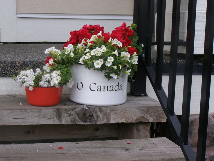 O Canada - Canada Day Porch Planter