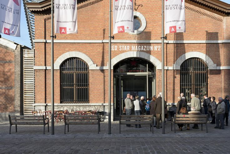 Red Line MuseumBetween 1873 and 1935, the ships of the Red Star Line carried two million adventurers and fortune-seekers from Antwerp to New York. For many, the crossing began in the buildings of the Red Star Line in Antwerp. The museum tells the story of these passengers.