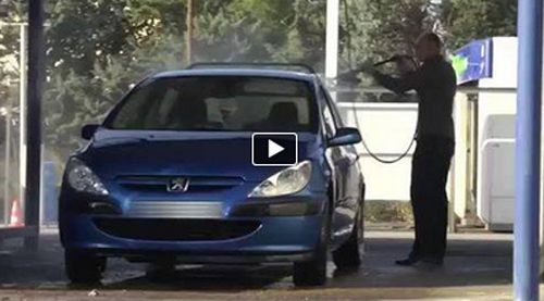 This man is washing his car. But look what happens - http://www.barzellettando.com/index.php?option=com_content&view=article&id=11106:this-man-is-washing-his-car-but-look-what-happens&catid=40:ironic&Itemid=84
