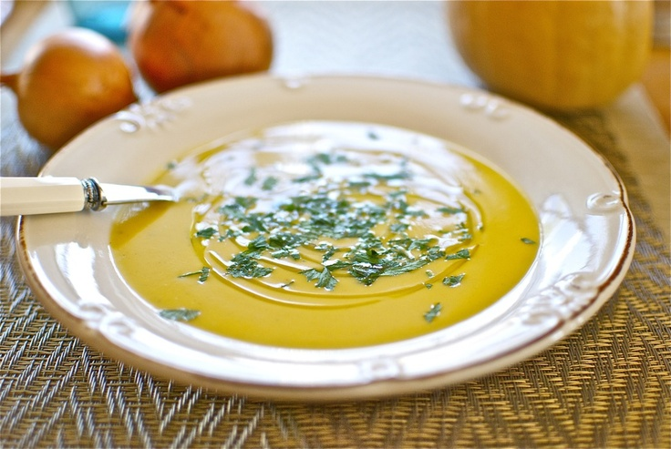 a lovely Thermomix Pumpkin and curry soup from Hojiblanca (olive oil)
