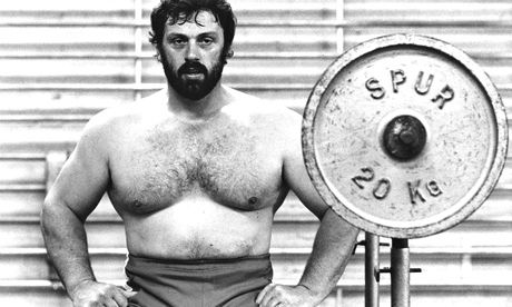 Geoff+Capes,+ENG+–+Strongman+&+Highland+Games+Legend