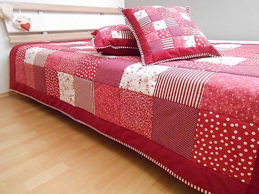 prehoz na posteľ patchwork deka bordovo červená biela