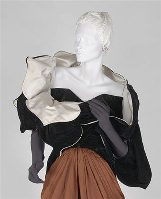 Artist/Maker Information: Charles James American Object Type: stole Title: Petal…