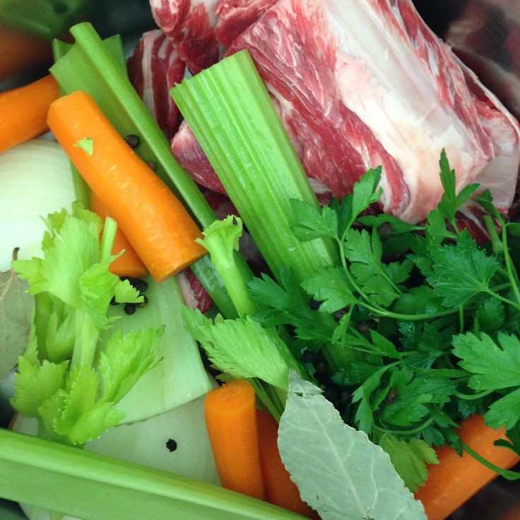 We're making some Brodo di Carne or beef stock. It doesn't take much time or skill just some basic chopping skills, water, leftover bones (in this case short ribs), celery, carrots, onion, whole peppercorns, bay leaf and Italian parsley. Use it in Minastrone, risotto or simply enjoy it's pure flavour with some tortellini. Buon appetito! www.zarasdeli.com