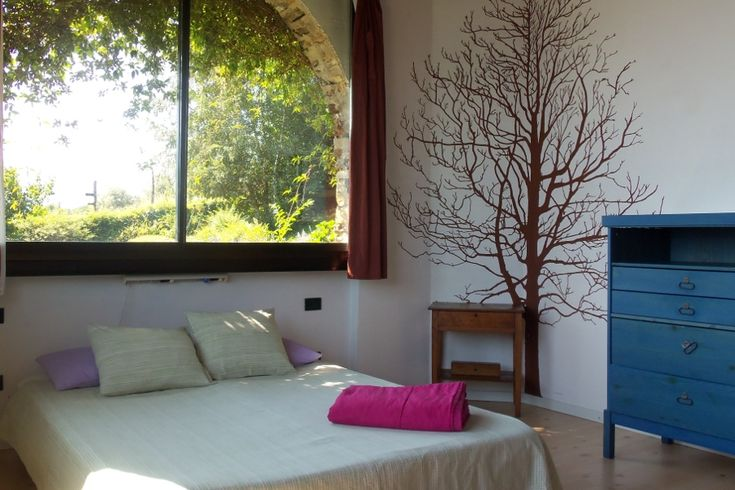 Lake Como Accommodation Panorama Apartment.     Nature came into the bedroom